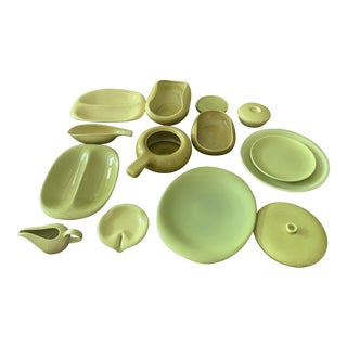 Russel Wright Steubenville Chartreuse Yellow Mid Century American Modern Dinnerware - 15 Pieces For Sale