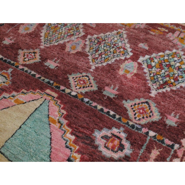 Moroccan Boujad Rug - 5′9″ × 11′8″ For Sale In New York - Image 6 of 12