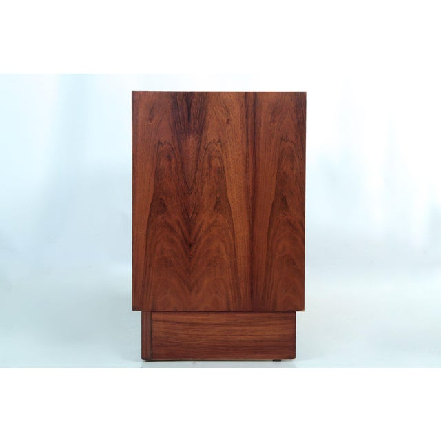 Danish Modern Circa 1960s Danish Mid Century Rosewood Credenza by Poul Hundevad For Sale - Image 3 of 11