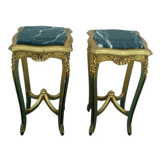 1980s Traditional Gold Insert Marble Top Stands - a Pair For Sale