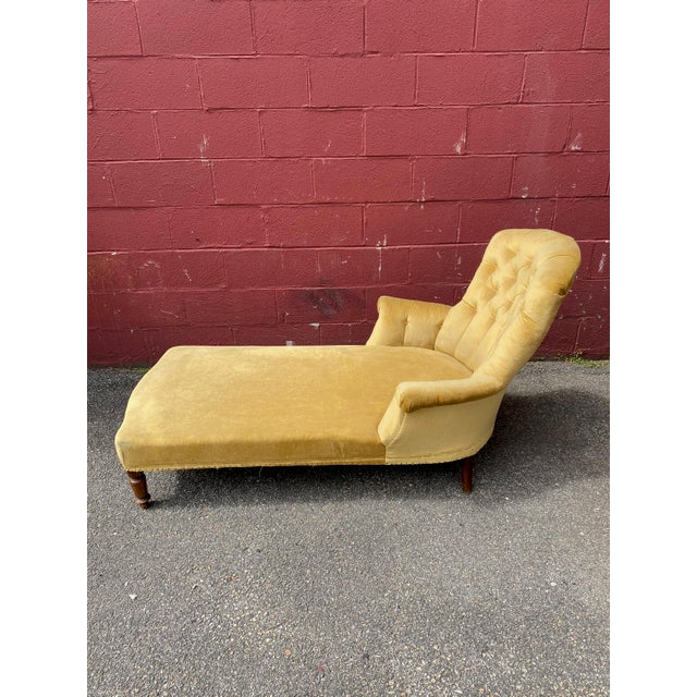 Late 19th Century French Napoleon III Chaise Longue in Gold Velvet For Sale - Image 5 of 13