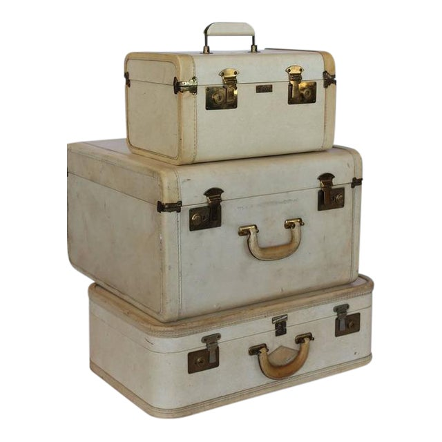 Mid-Century Modern Vintage Vellum Suitcases - Set of 3 For Sale - Image 3 of 3