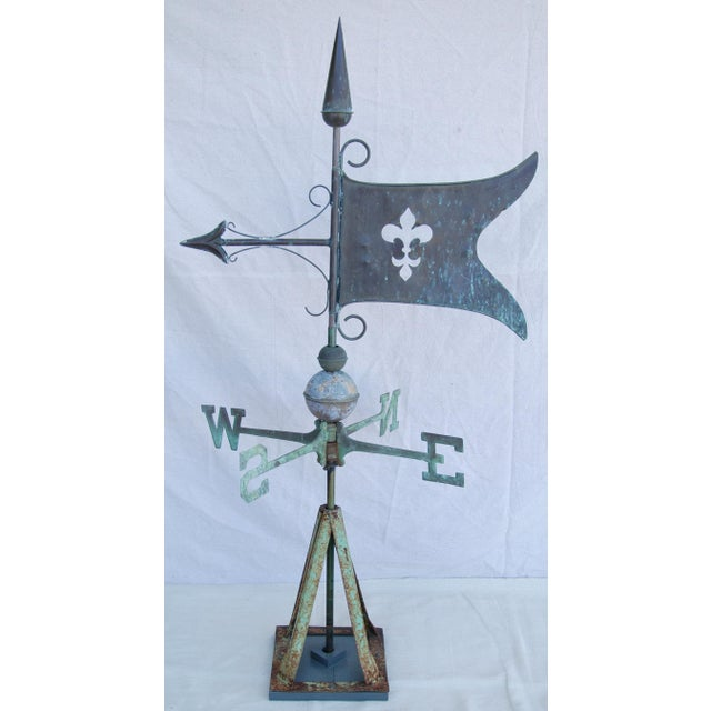 Americana Vintage Copper Fleur de Lis Weathervane With Stand For Sale - Image 3 of 11