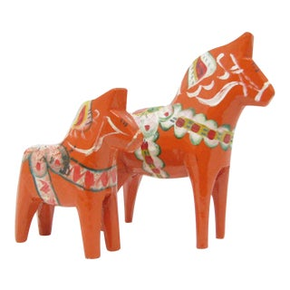 Vintage Grannas Olsson Handcarved and Hand-Painted Wooden Dalecarlian Dala Horses - Set of 2 For Sale