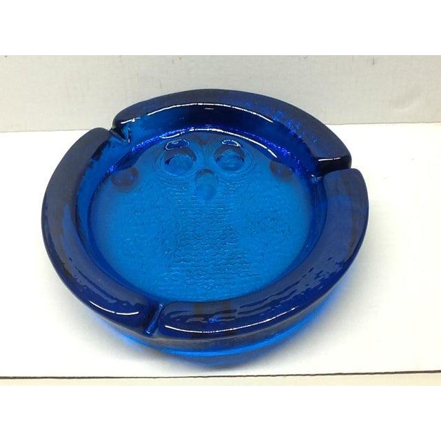 Art Glass Vintage Cobalt Blue Blenko Art Glass Owl Ashtray For Sale - Image 7 of 7