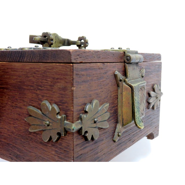 Brown Early 20th Century Antique Arts & Crafts Oak and Bronze Box For Sale - Image 8 of 13