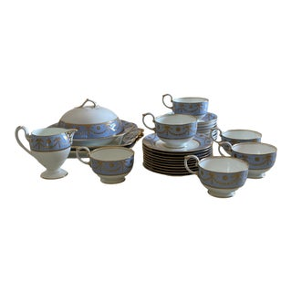 Antique Wedgwood Bone China Neoclassical Tea and Dessert Set - 30 Piece Set For Sale