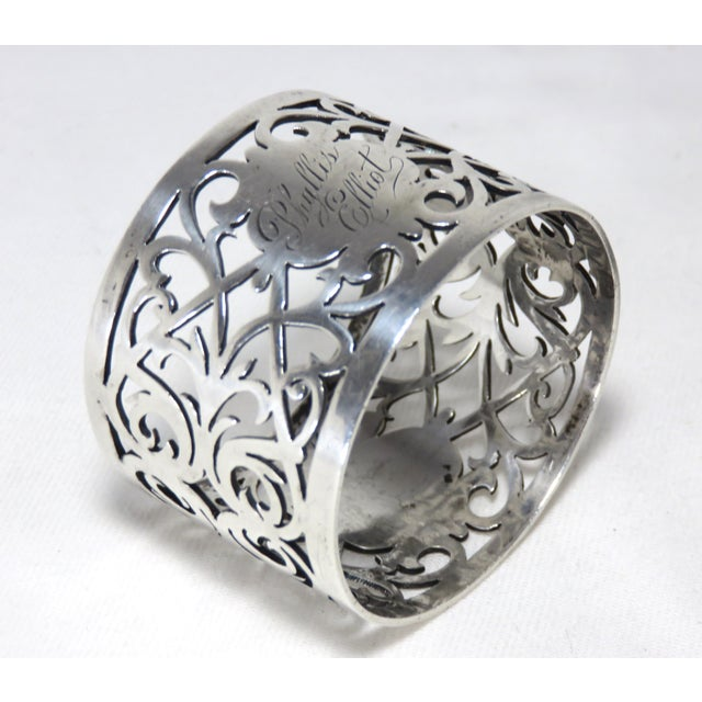 English Traditional Early 20th Century Antique John Round Sterling Silver Napkin Ring For Sale - Image 3 of 7