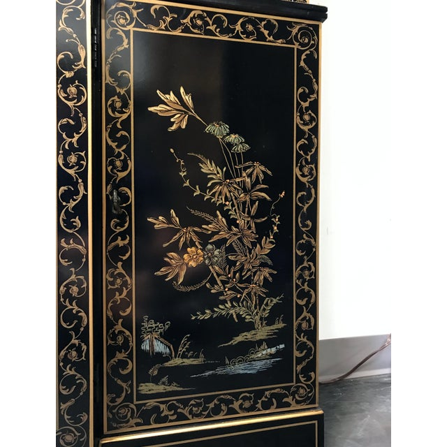 Glass DREXEL HERITAGE Et Cetera Asian Chinoiserie Breakfront China Cabinet For Sale - Image 7 of 11