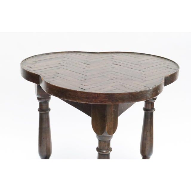 Traditional Vintage Wood Trefoil Side Table - Image 4 of 7