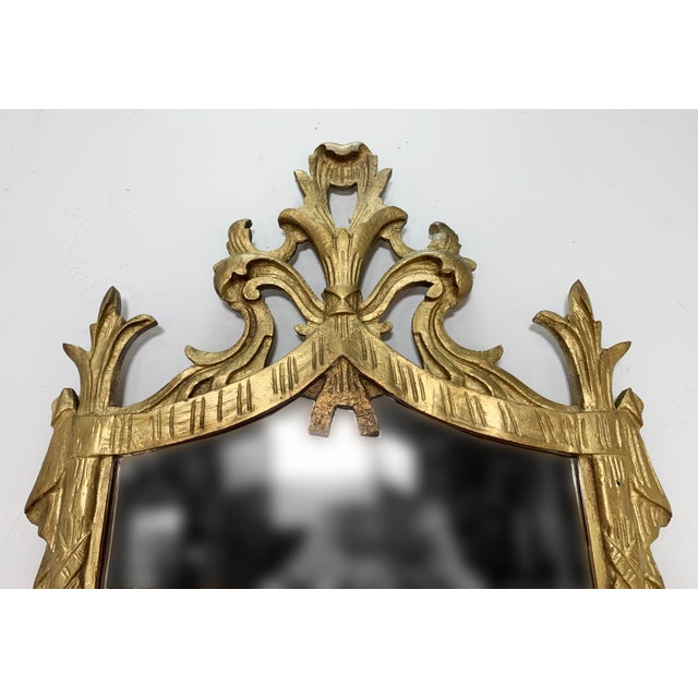 C. 1950s Hollywood Regency Style Italian Carved Giltwood Mirror With Under Shelf For Sale In Boston - Image 6 of 9