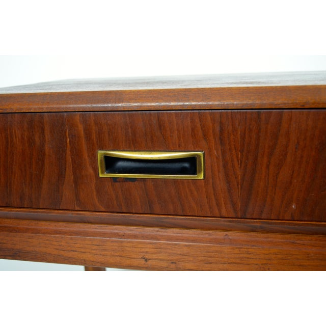 1960s Mid Century Modern Founders Furniture Co. Walnut Nightstand For Sale - Image 9 of 10