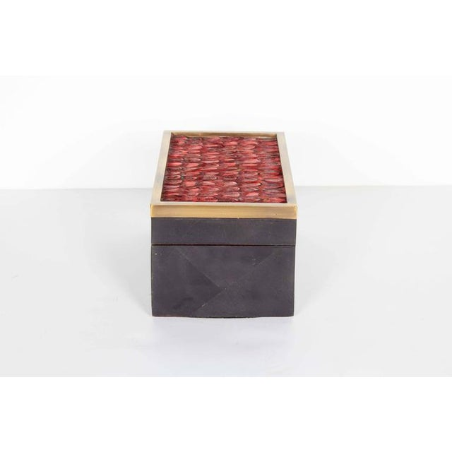 Contemporary Organic Modern Decorative Box in Lacquered Pen Shell and Exotic Red Feathers For Sale - Image 3 of 9