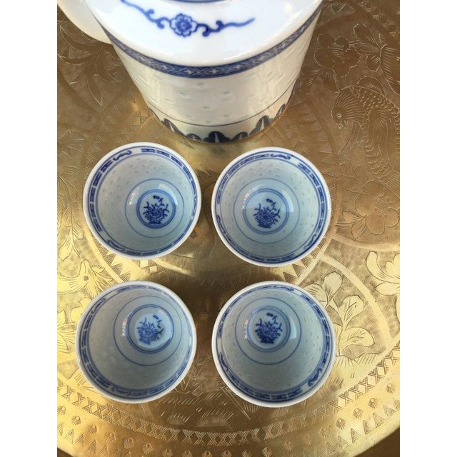 Blue and White Chinoiserie Teapot & Cups - Image 4 of 6
