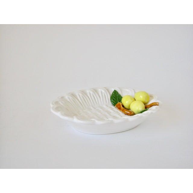 White 1970s Traditional Majolica Braided Lemon Ceramic Dish For Sale - Image 8 of 10