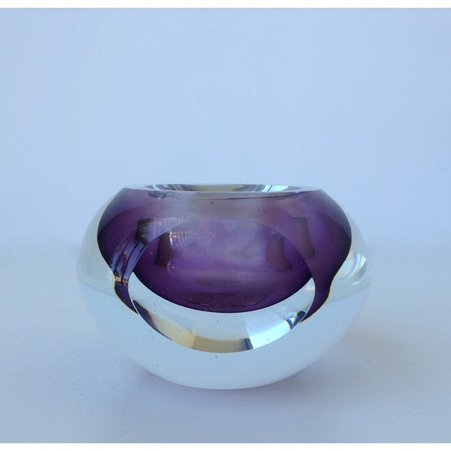 A vintage, 1970's, Italian Murano, Sommerso, accented bowl by Flavio Poli. A thick, handblown Murano in an alluring purple...