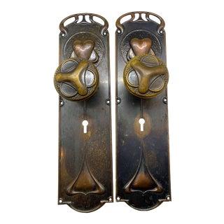 1900s Art Nouveau Interior Doorknobs & Doorplates - a Pair For Sale