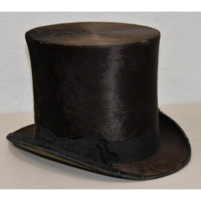 Victorian 1800s Dunlap & Co. Top Hat & Leather Hat Box by Collins & Fairbanks Co. For Sale - Image 3 of 10