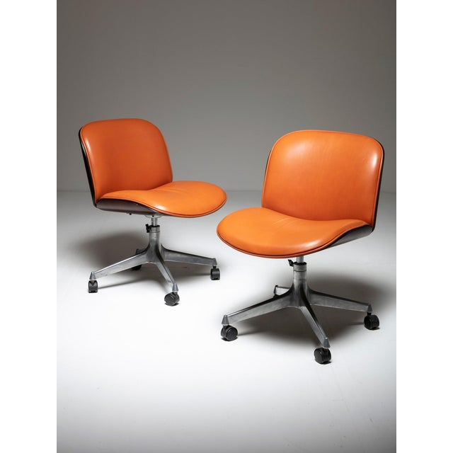 Modern Set of Two Office Chairs by Mim For Sale - Image 3 of 5