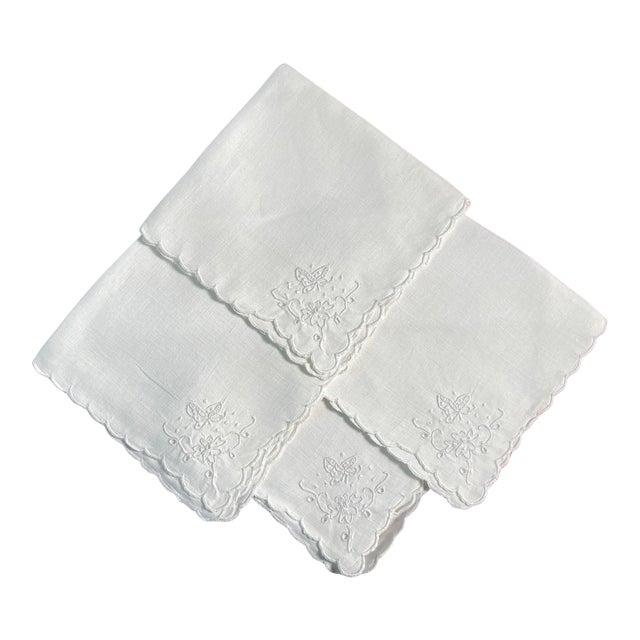 Vintage White Linen Embroidered Napkins- Set of 4 For Sale