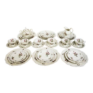 1960s Rosenthal China Moss Rose Pompadour Dinnerware - Set of 32 For Sale