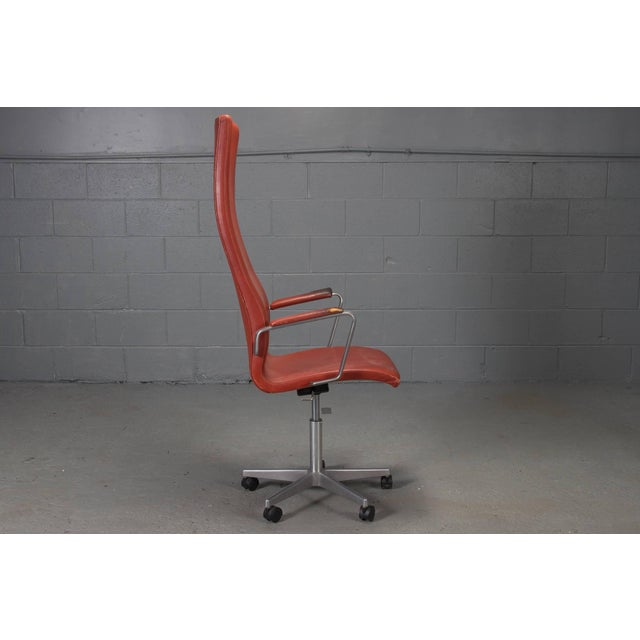 Mid-Century Modern High Back Leather Oxford Desk Chair by Arne Jacobsen For Sale - Image 3 of 10
