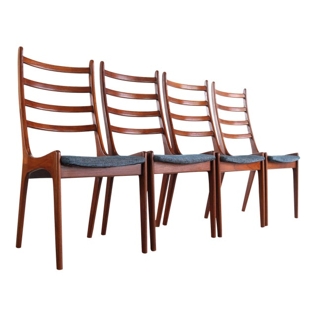 Set of 4 Mid Century Danish Modern Contoured Ladder Back Dining Chairs in Teak For Sale