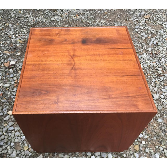 Lights Jens Risom Mid Century Modern Cube Tables ~ a Pair For Sale - Image 7 of 13