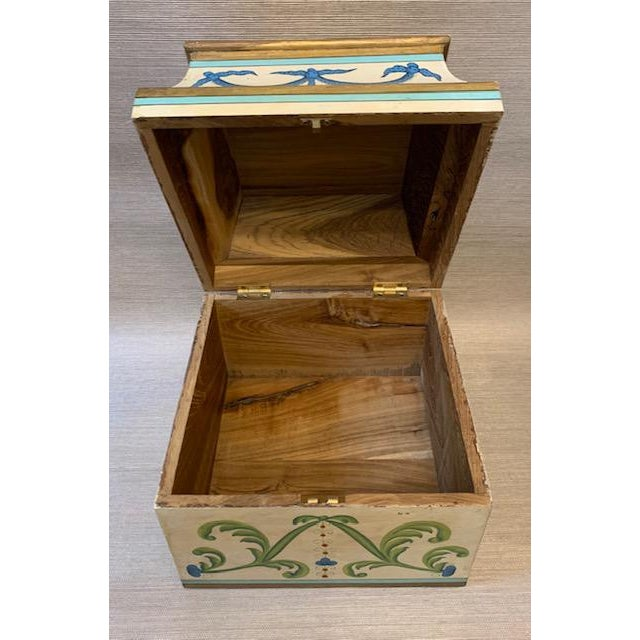 Early 20th Century Antique Italian Leaves and Swags Painted Boxes - Set of 3 For Sale - Image 5 of 11