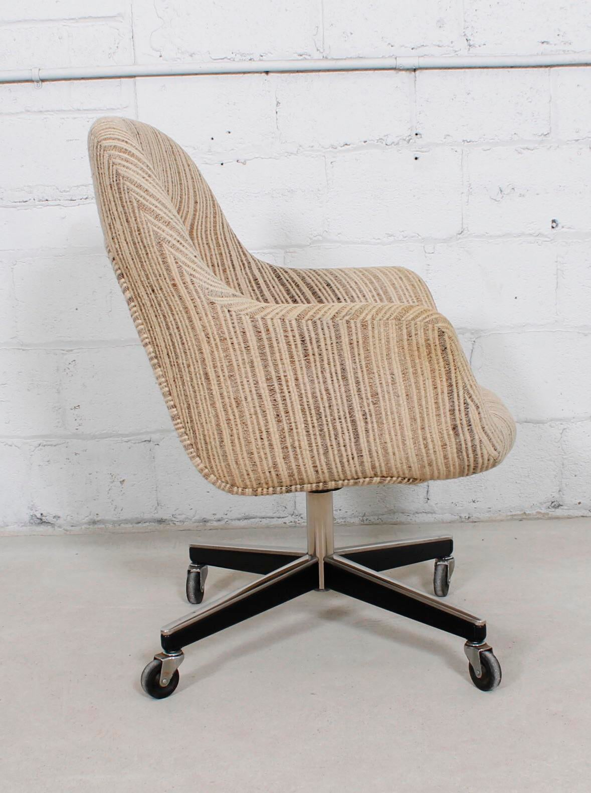 upholstered office chairs. Wonderful Office Knoll Upholstered Office Chairs On Casters  A Pair Image 6 Of 11 Inside