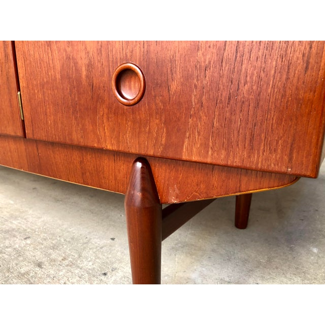 Teak Mid Century Danish Modern Teak Bow Front Low Credenza Sideboard Media Console Cabinet Curved Front For Sale - Image 7 of 9