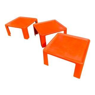 Amanta Orange Fiberglass Tables by Mario Bellini for C&b Italia 1970s - Set of 3 For Sale