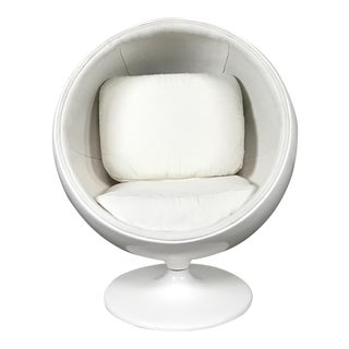 Eero Aarnio 'Ball' Children's Chair (Replica)