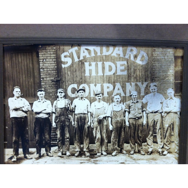 """Americana Early 20th Century Antique """"Standard Hide Company"""" Mounted Black & Whited Photograph For Sale - Image 3 of 4"""