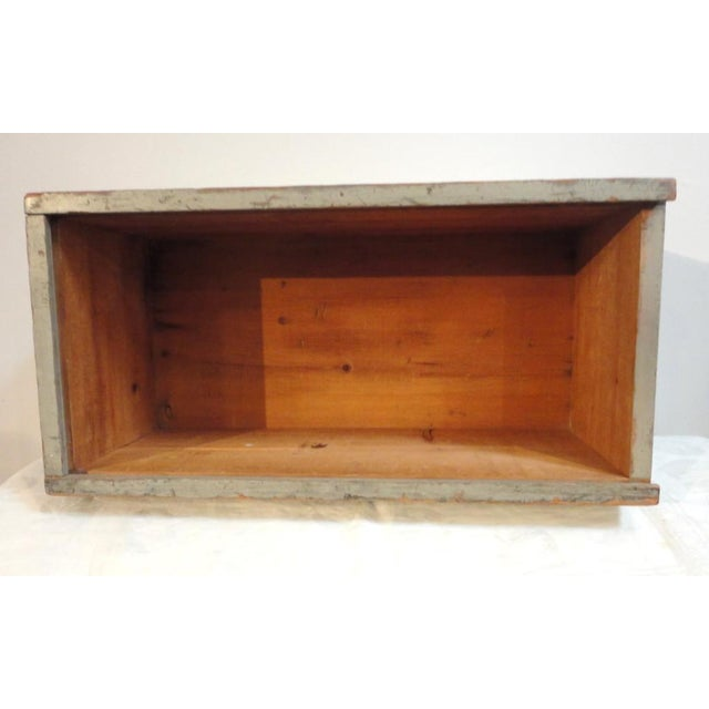 19th Century Original Grey Painted Large Candle Box from New England For Sale In Los Angeles - Image 6 of 8