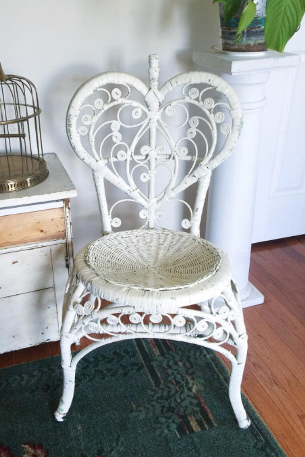 Vintage White Rattan Heart Back Peacock Chair   Image 2 Of 6