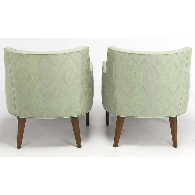 Pair of Classic Barrel-Back Club Chairs in Ikat Upholstery - Image 4 of 7