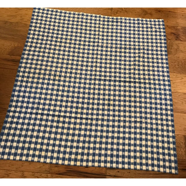 Great condition on this blue and white mid-century modern tablecloth.