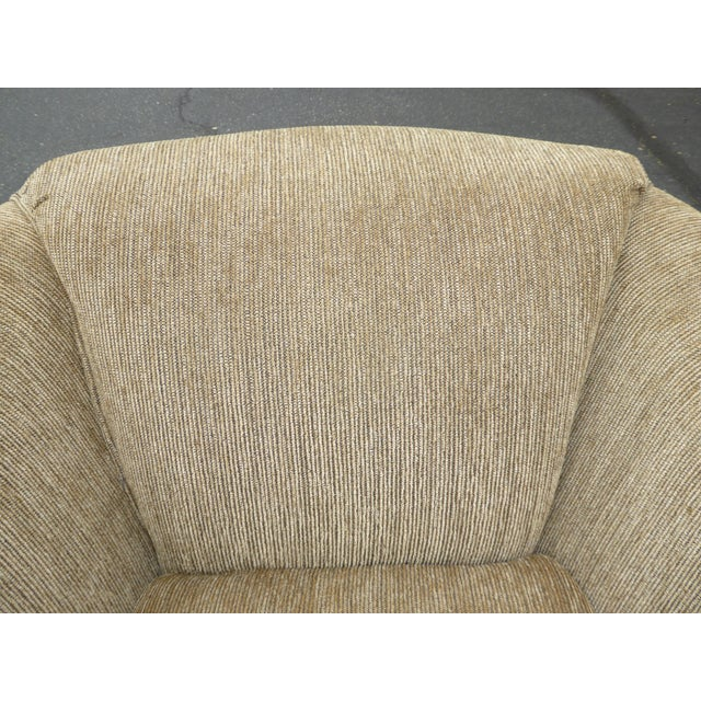 Vintage Dunlap Mid-Century Style Tan Swivel Chairs - A Pair - Image 4 of 9