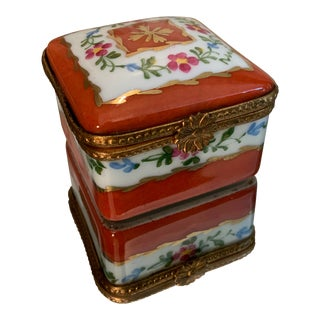 1980s Limoges Hand Painted Porcelain Trinket Box For Sale