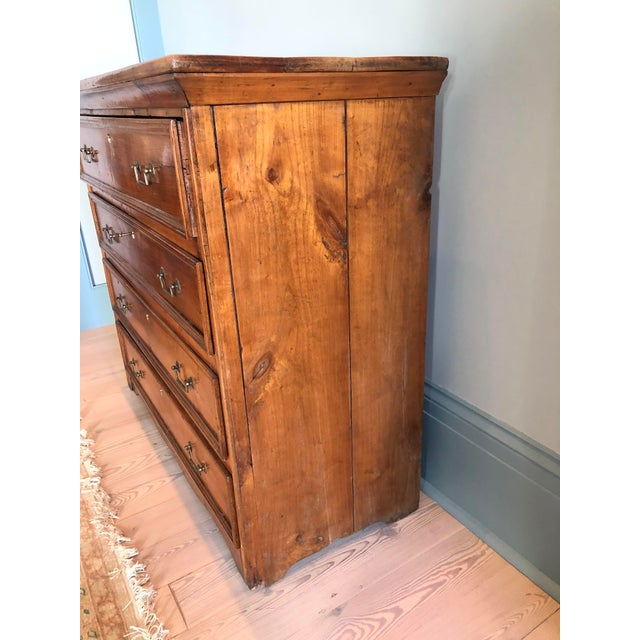 Traditional 19th Century Italian Walnut Provincial Commode For Sale - Image 3 of 6