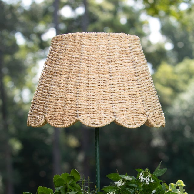 English Maison Maison Medium Scalloped Lampshade in Ivory Twisted Seagrass For Sale - Image 3 of 3
