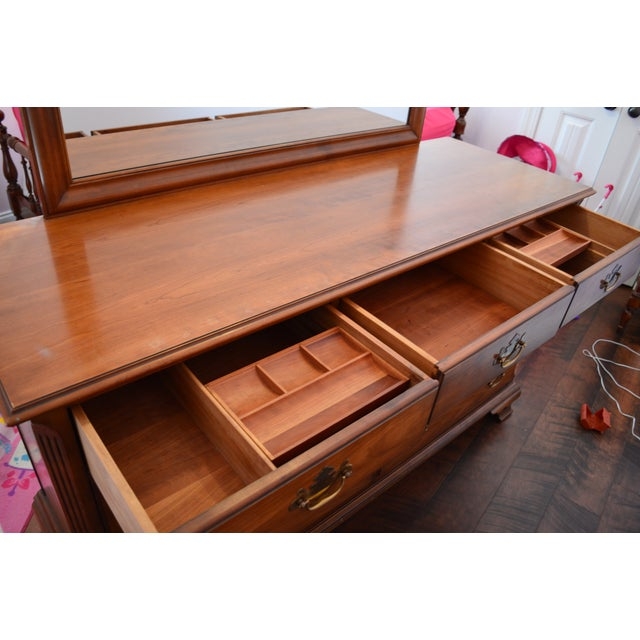 1950s Traditional Kindel Grand Rapids 9 Drawer Dresser With Attached Mirror For Sale - Image 9 of 13