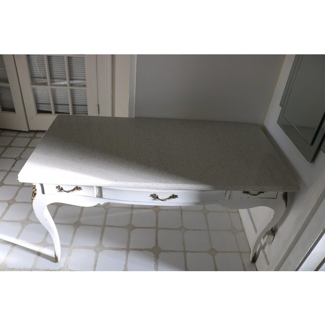 This is a Victorian style harwood desk base.It has metal corner protectors on bottom and middle of the legs. The quartz...