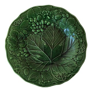 1880 English Green Majolica Strawberries Plate For Sale