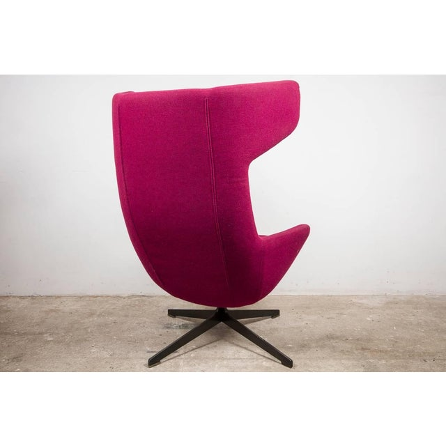 Contemporary Moroso Lounge Swivel Wingback Chair by Alfredo Haberli, Italy For Sale - Image 3 of 5