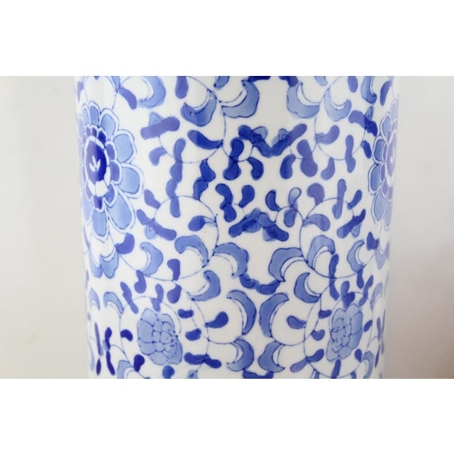 Asian Vintage Chinese Cylindrical Urn For Sale - Image 3 of 6