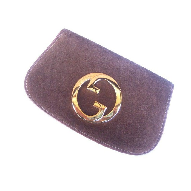 Metal 1970s Gucci Italy Chocolate Brown Suede Blondie Clutch Purse For Sale - Image 7 of 11
