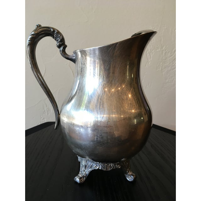 Mid-20th Century Art Nouveau Rogers Silver Co. Silverplate Ornate Pitcher For Sale In Dallas - Image 6 of 9