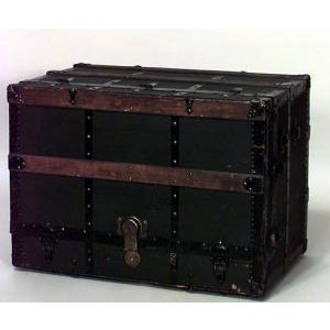 Late 19th Century American ebonized canvas floor trunk with theatrical vaudeville design and drawers For Sale - Image 4 of 4